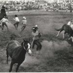 Wilder Westen auf dem Volksfest mit Rodeo reiten, das Bild entstand um 1960. -- Bild: Archiv Kultur- und Militärmuseum Grafenwöhr