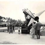 Volksfest 1960: Eine Honest John Rakete wurde auf dem Festgelände ausgestellt. -- Bild: Archiv Kultur- und Militärmuseum Grafenwöhr