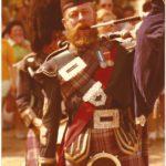 Auch schottische Traditionen waren in den 1970er Jarhen auf dem Deutsch-Amerikanischen Volksfest vertreten, im Bild ein Schotte mit Dudelsack. -- Bild: Archiv Kultur- und Militärmuseum Grafenwöhr