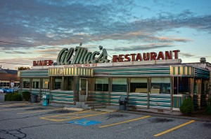 Al Mac's Diner-Restaurant ist ein historischen Restaurant in 135 President Avenue in Fall River, Massachusetts -- Bild: Kenneth C. Zirkel / wikipedia
