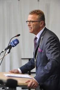 Erster Bürgermeister von Tirschenreuth Franz Stahl bei der Festrede -- Bild: Gartenschau Tirschenreuth