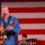 Country-Musik Star Darryl Worley bei seinem Auftritt in Camp Thursday. In diesem Jahr wird im Camp Kasserine auf dem Volksfest Grafenwöhr auftreten. -- Bild: Staff Sgt. Patrick Moes