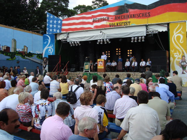 Deutsch-Amerikanisches Volksfest Berlin -- Bild: Christopher Simmons/wikipedia.org