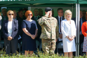 Zahlreiche Gäste aus Militär, Politik, Polizei, Forst und öffentlicher Ämter waren anwesend. --Bild: US-Armee Garnison Bavaria