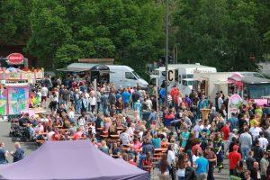Das Foodtruck Fest in Weiden findet auch dieses Jahr wieder auf dem Großparkplatz Naabwiesen statt. -- Bild: Stadtmaketing Weiden