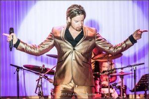 Ron Glaser bei einem seiner Auftritte im Wiener Metropol. -- Bild: Andreas Müller @theridindudes.com