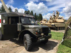 Deutsch-Amerikanisches Volksfest Grafenwöhr 2017 - Ausstellung von Militärfahrzeugen und historischen Militärfahrzeugen. -- Bild: volksfest-grafenwoehr.de