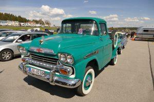 Chevrolet Apache Pickup von 1958 auf dem Deutsch-Amerikanischen Volksfest Hohenfels. -- Bild: USAG Bavaria, Hohenfels / Norbert Wittl