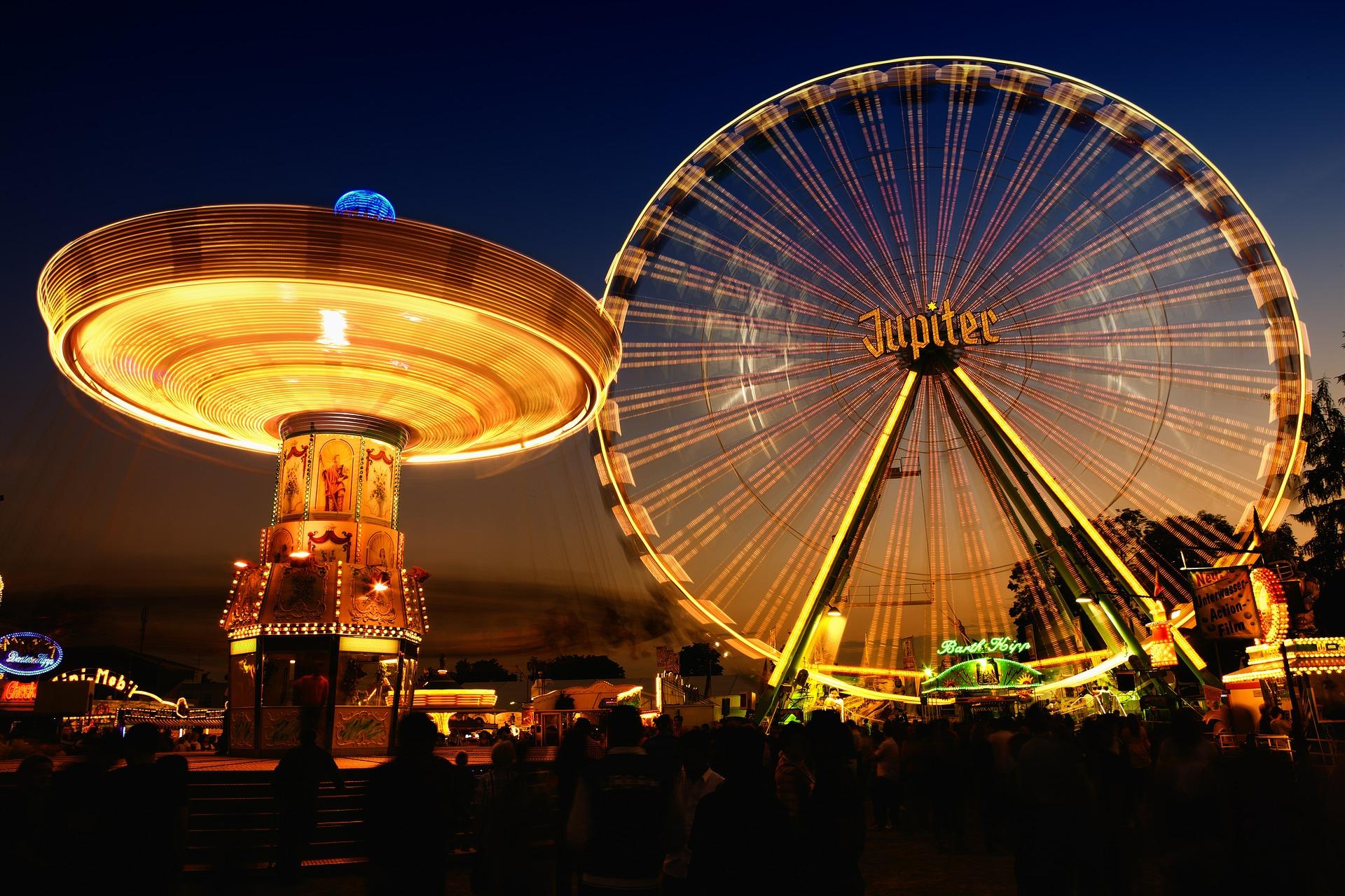 Volksfest mit Riesenrad. -- Bild: Frank Winkler / Pixbay
